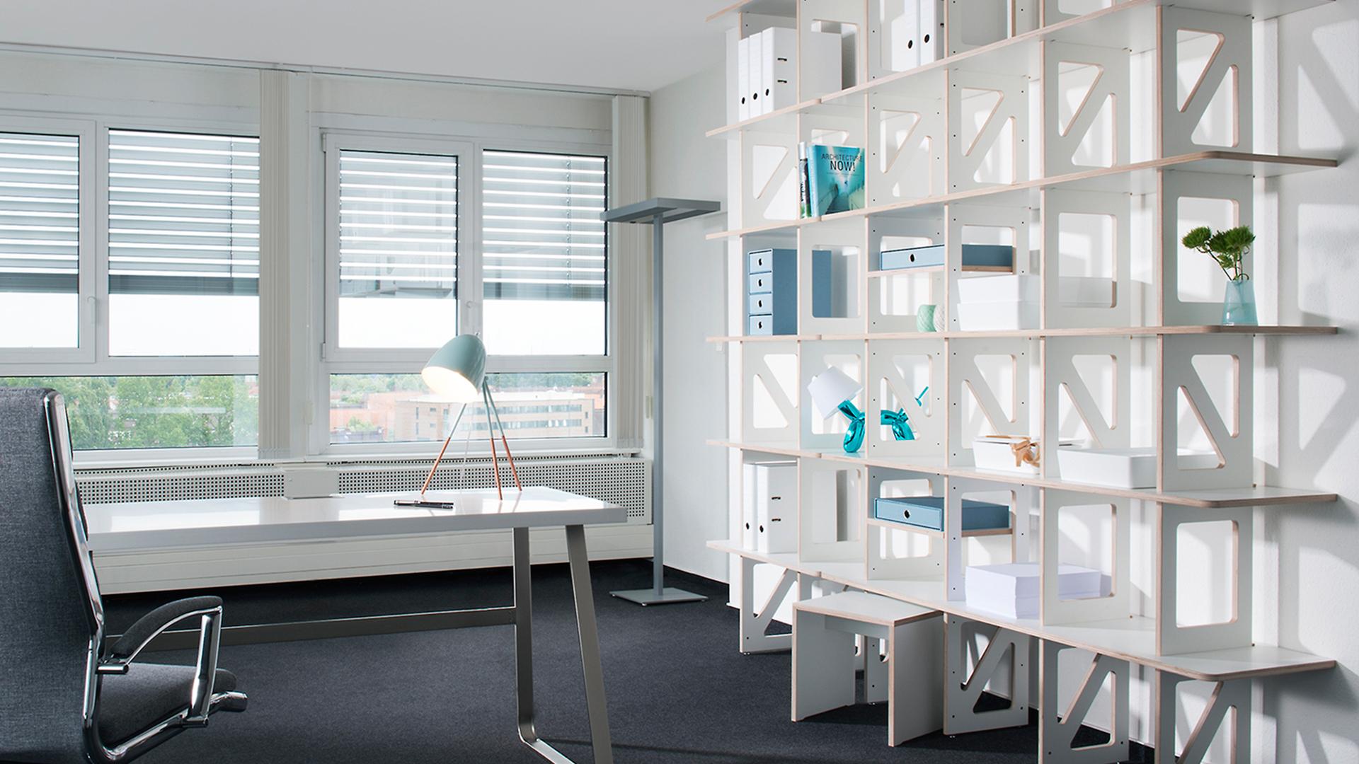 Buero-Regal-Interieur-Anna-M.-Traenkner-Fotografie-Hamburg
