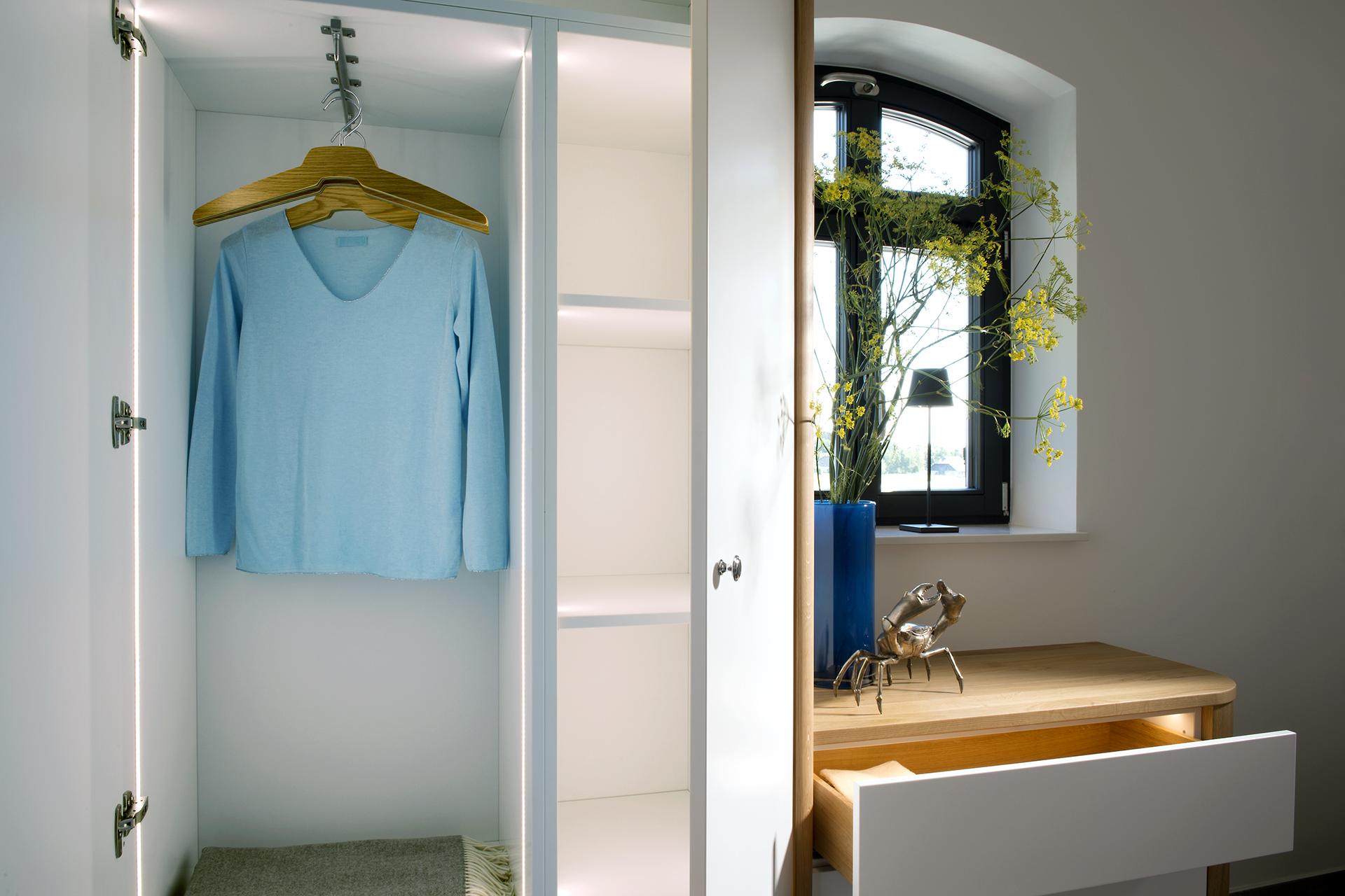 Design, Interior, Einbauschrank beleuchtet, Anna M. Traenkner Fotografie, Hamburg